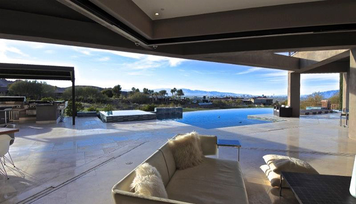 Location Spotlight: Luxury Custom Home with Strip View